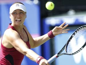 Zvonareva beats Kvitova to reach PanPac Open final